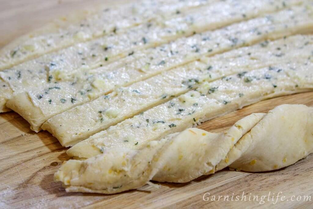 Cheesy Garlic Twists